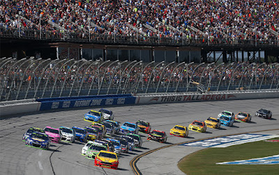 The Ford Fusions topped the field by leading 114 of 188 laps, while six different Ford's led throughout the race; Joey Logano (59), Ryan Blaney (27), Matt DiBenedetto (12), Keselowski (7), Ricky Stenhouse Jr. (6) and Kurt Busch (3).