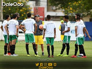 Charla Técnica de Mauricio Soria a los jugadores de Oriente Petrolero - DaleOoo