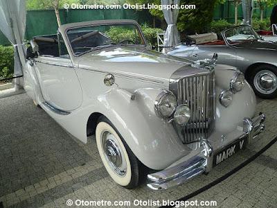 en çekici klasik otomobiller İstanbul'daydı