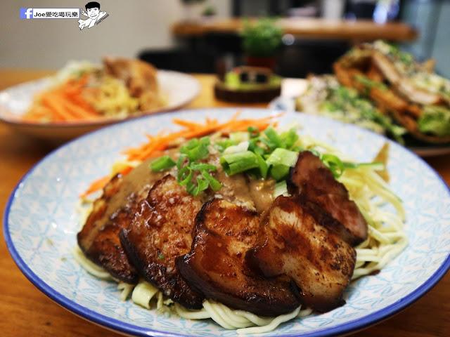 IMG 2556 - 【新竹美食】北門室食 NO.40 BEIMEN ,穿梭在老舊以及新穎間的文青涼麵店,除了涼麵之外煎餅菓子也是傳統好滋味!!