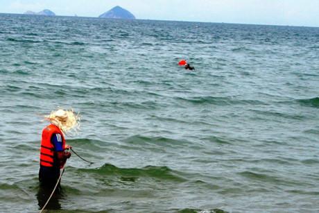 4 ngư dân rơi xuống biển mất tích