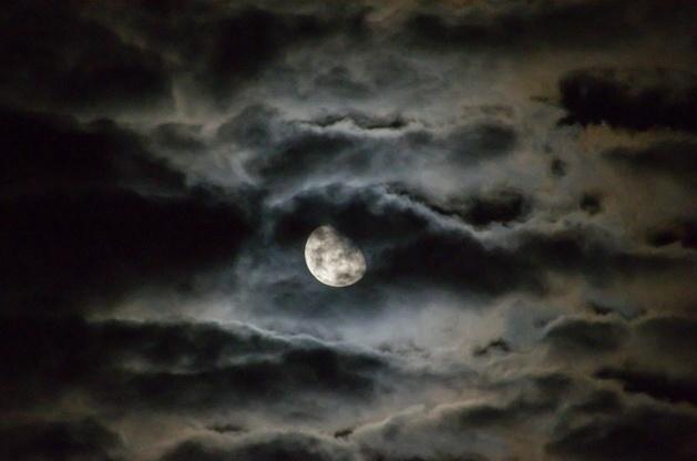 Gambar Bulan Untuk Anak Tk