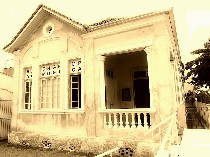 Casa Lins: Centro de Documentação e Memória Histórica da Cidade de Itajaí.