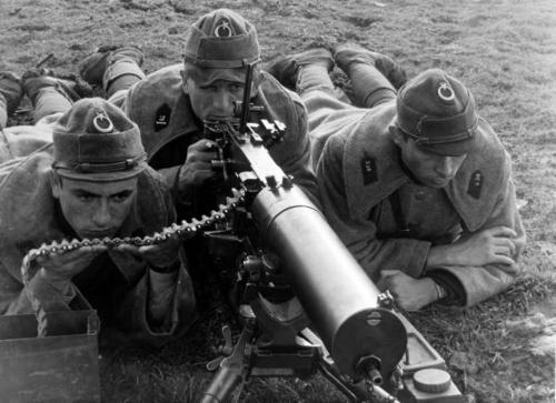 WW2 turkish machine gunners