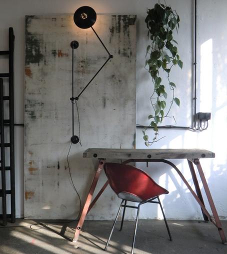 wo and w collection lampe murale pivotante industrielle deux bras articul s patin e noir. Black Bedroom Furniture Sets. Home Design Ideas