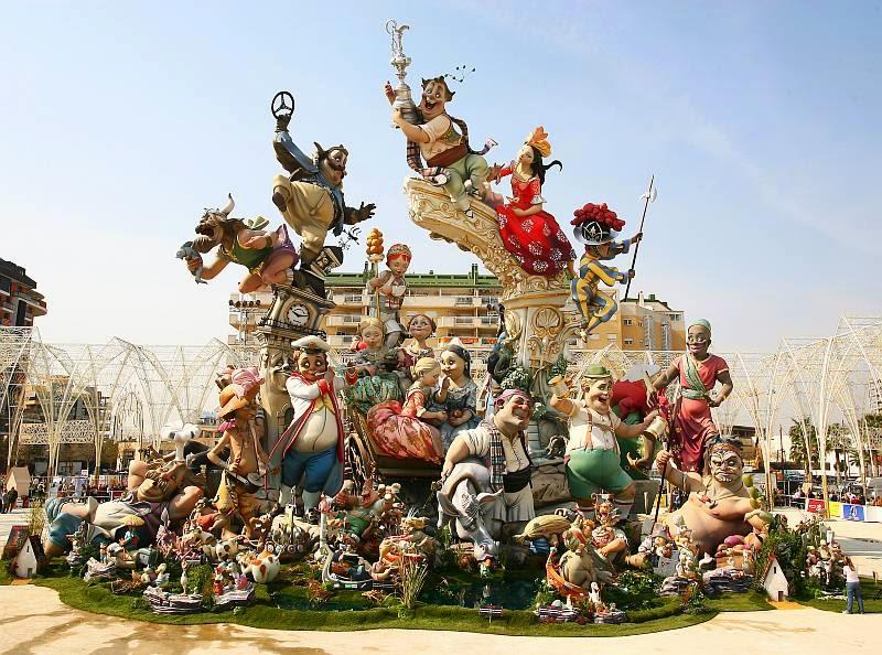 La fiesta de las Fallas en Valencia