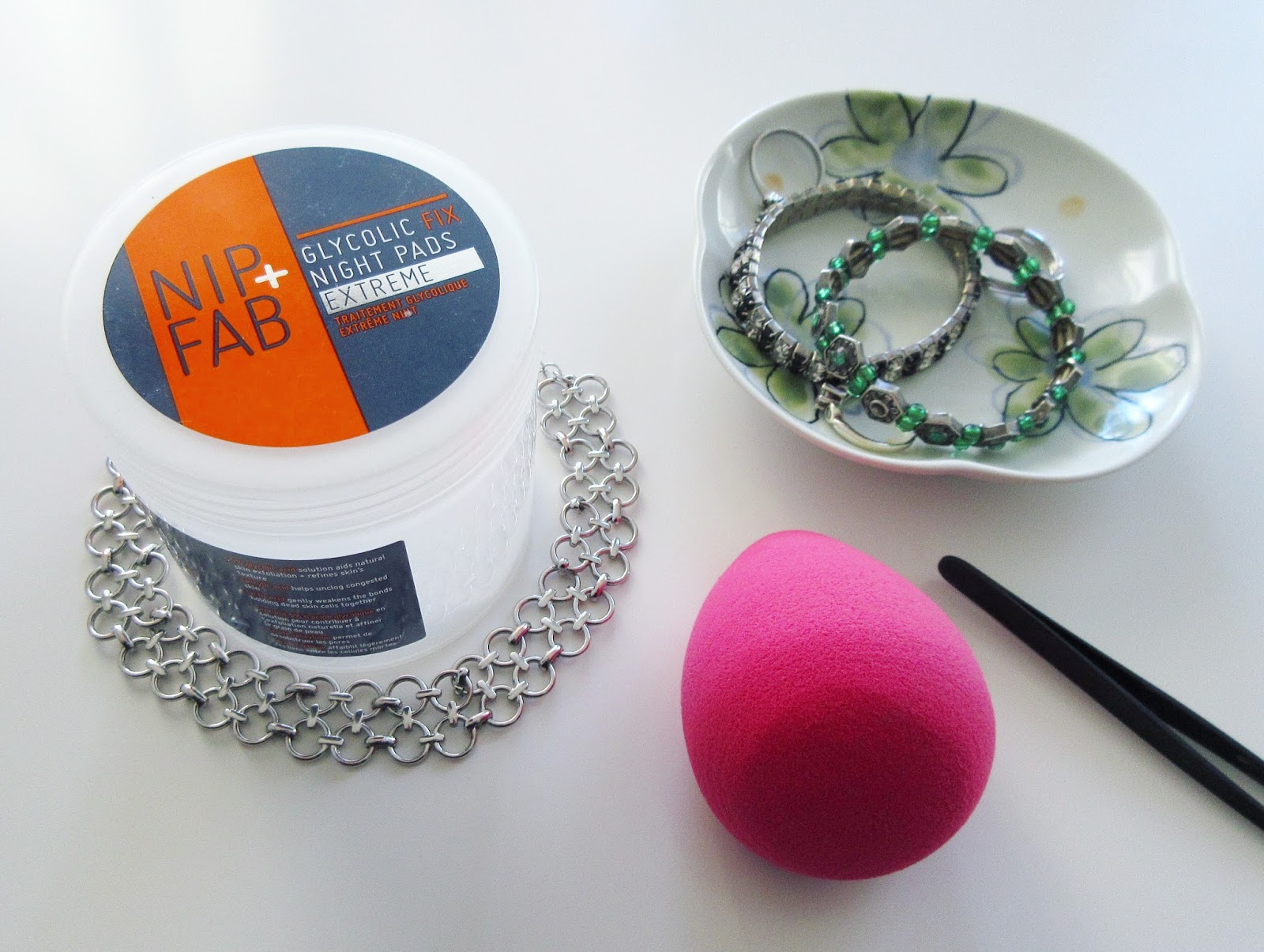 Nip+Fab Glycolic Fix Extreme Night Pads Review