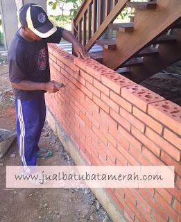 http://www.jualbatubatamerah.com/2014/12/jual-batu-bata-expose-ekspos-harga-murah.html