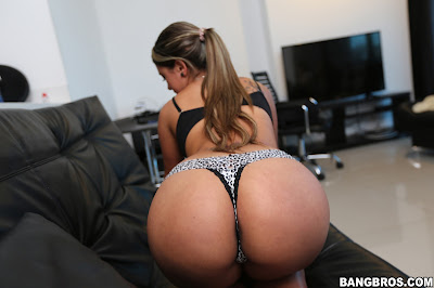Sofia Perez – Pretty Smile with a Big Ass