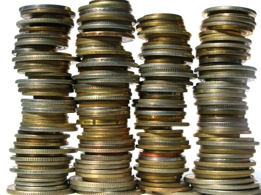 Pilhas de moedas.