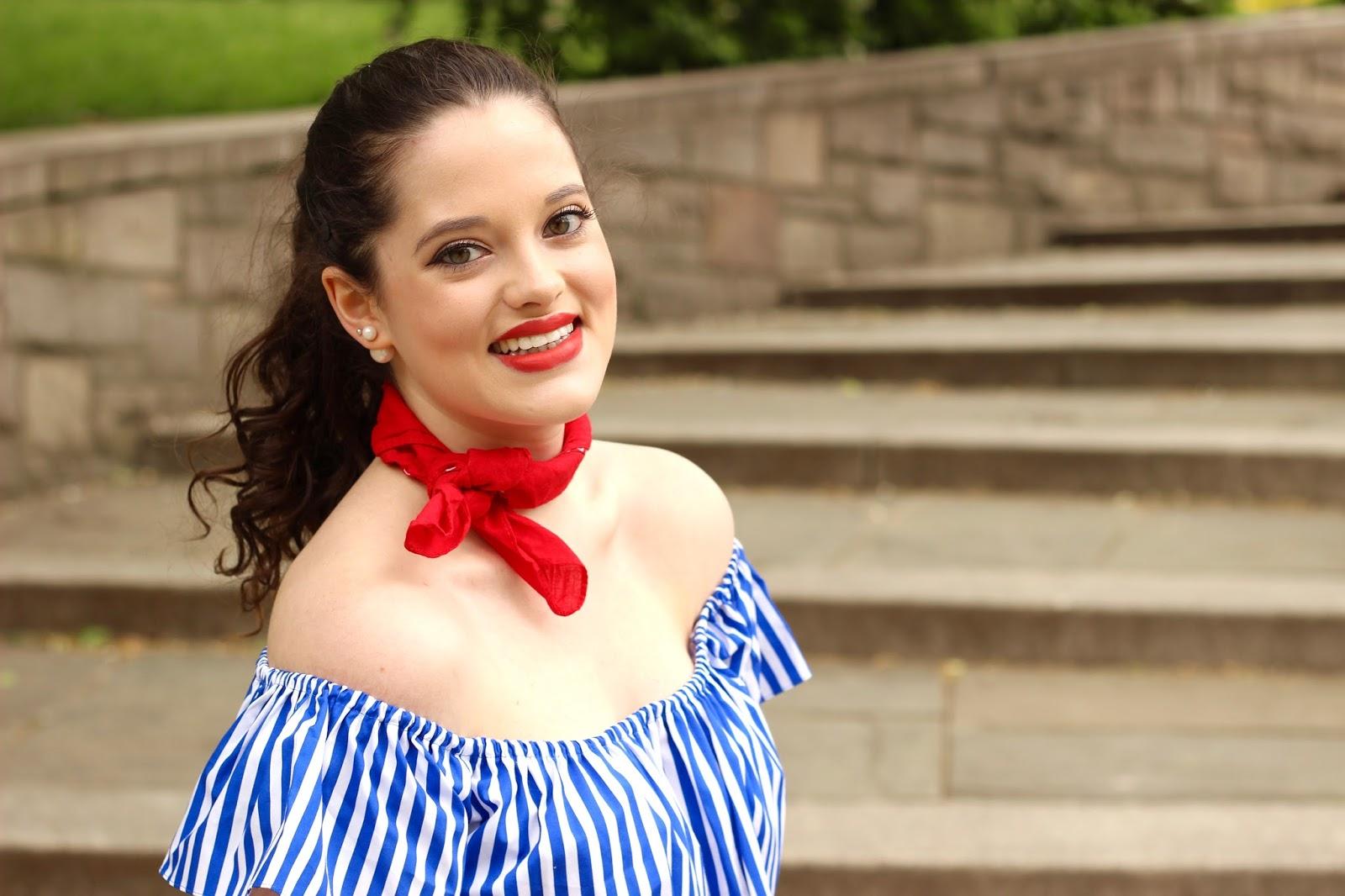 fashion blogger neck bandana