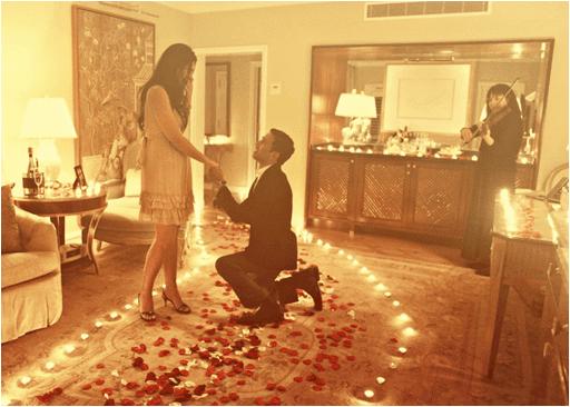 Sevgiliye sürpriz evlilik teklifi