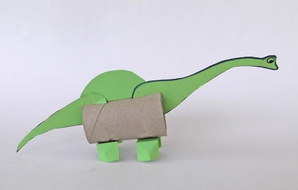 βροντόσαυρος, δεινόσαυροι, κατασκευές, χειροτεχνίες, εικαστικά, κατασκευές με χαρτί, χειροτεχνίες από το ρολό χαρτί υγείας,