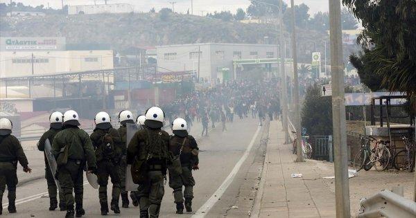 Σφοδρή επίθεση των δυνάμεων ασφαλείας διέλυσε τους Αφγανούς - Απέτρεψε τα χειρότερα στην πόλη της Μυτιλήνης