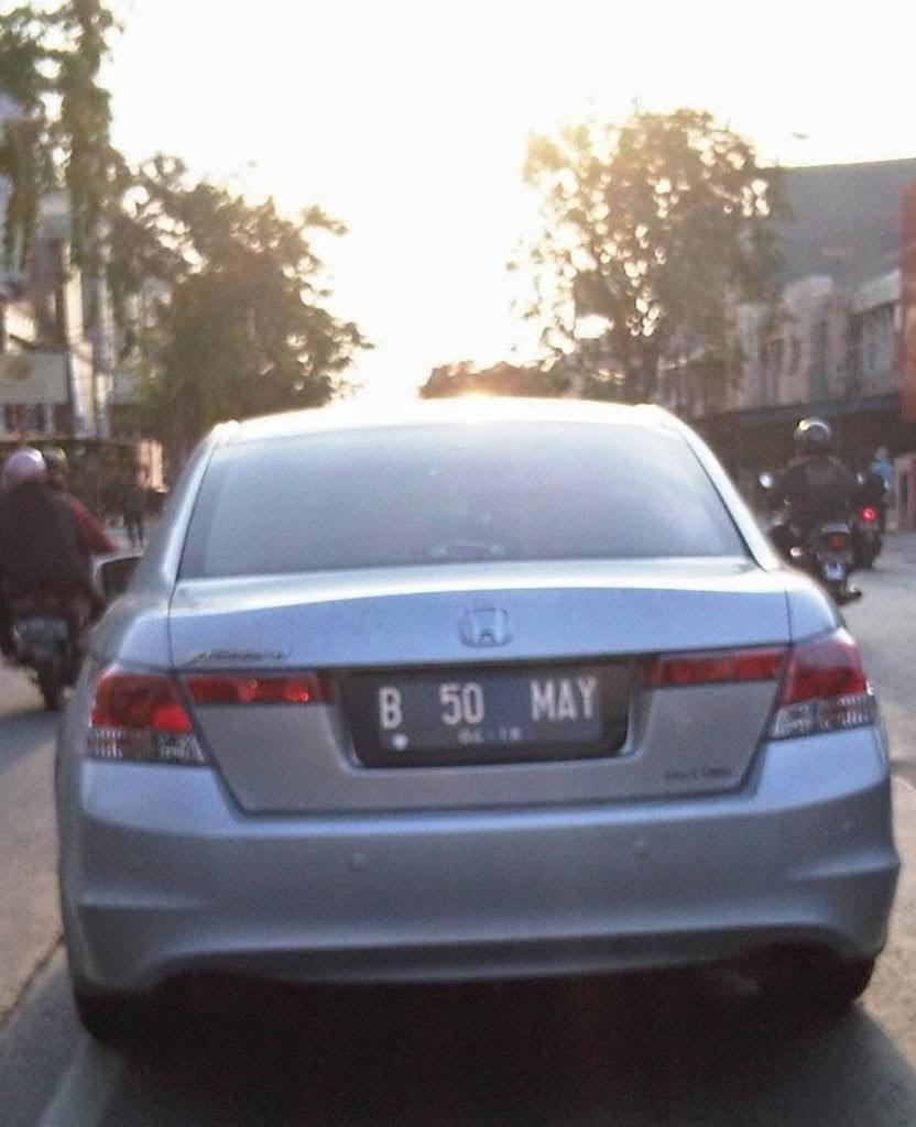 Inilah Plat Mobil Paling Kocak Didunia Dan Hanya Ada Di Indonesia