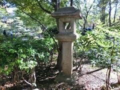 岩亀楼の灯籠