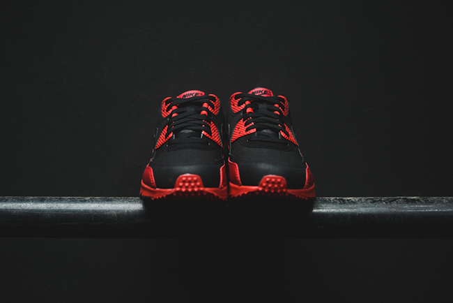 low priced 346ca e3232 Nike Air Max 90 Winter Premium Gym Red  Black
