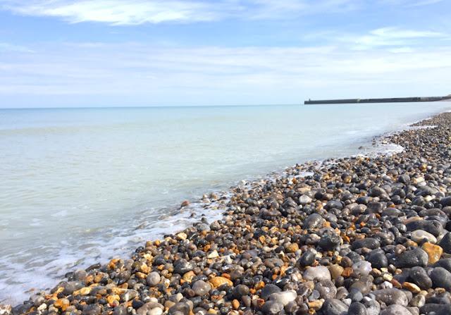 Praia de Dieppe perto de Paris