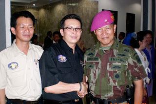 Sofian Tjandra Bersama Mantan Komandan Korps Marinir (Dankormar) Mayjen TNI Marinir Djunaidi Djahri