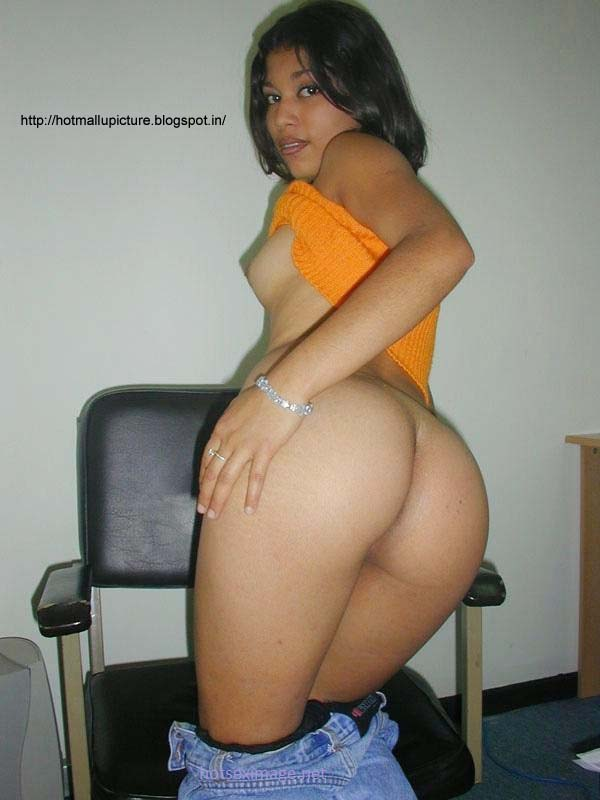 Hot South Indian Aunty Mallu Milf Wrapped Ass Cheeks Picture  Hot Indian Milf Aunty -8516