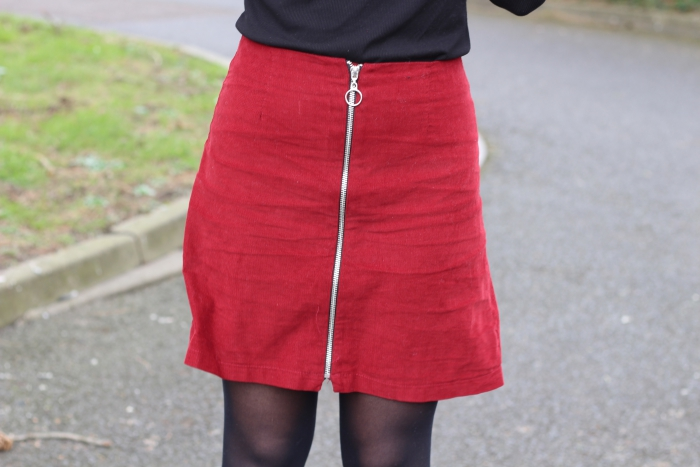 Red skirt a line zip rimmel lipstick kate moss 107 smells weird review