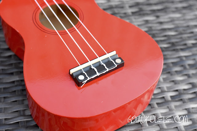 Martin Smith UK-212 Ukulele bridge