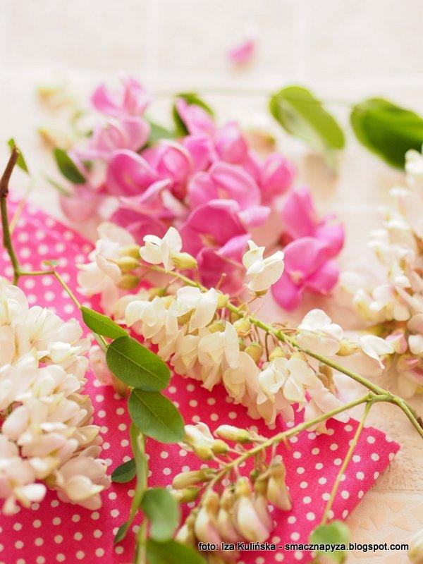 kwiaty na syrop, jadalne, kwiatuszki, na przetwory, syrop z kwiatow akacji, robinia akacjowa,