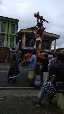 Pawai Ogoh-Ogoh di Junggo Desa Tulungrejo