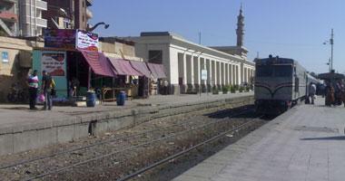قطار يصدم طالبة بميت غمر
