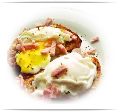 ham-and-poached-eggs-on-toast