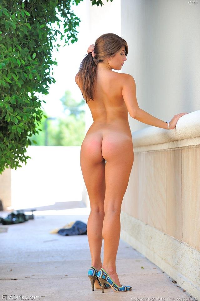 cassie naked having sex