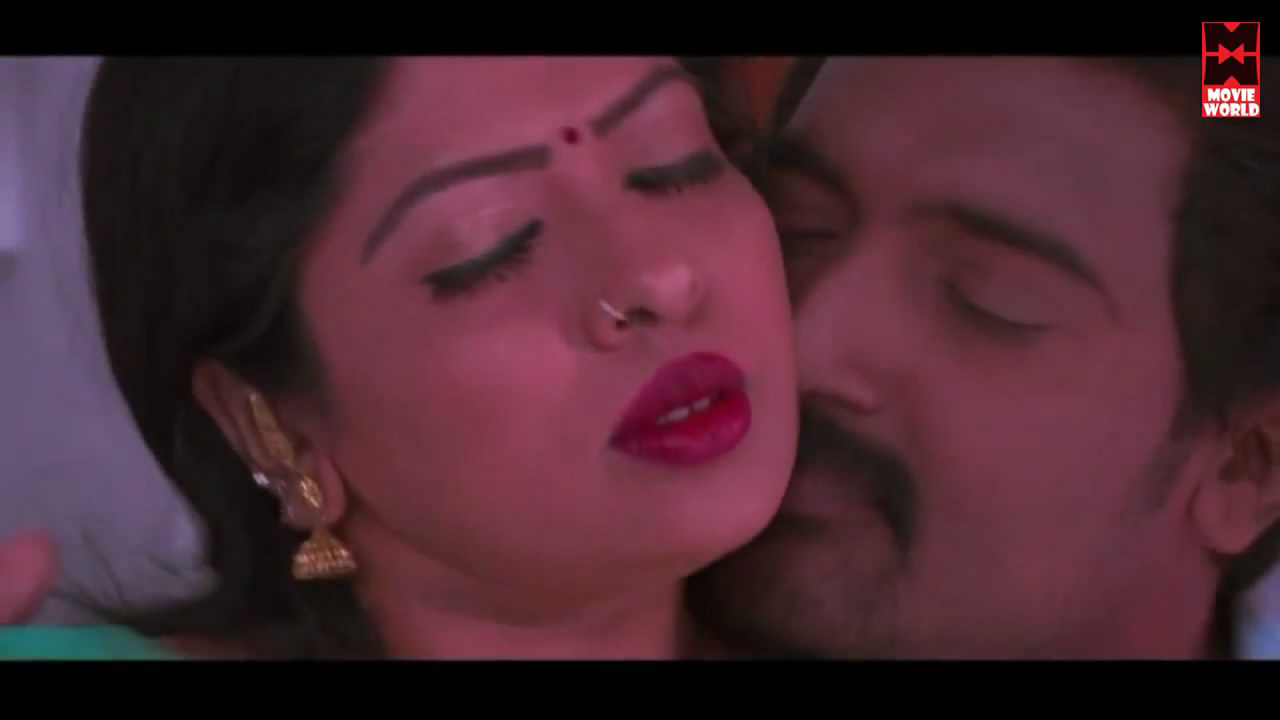Spicy Hot Scenes From Tamil Hot Movie - Cleavage  Navel