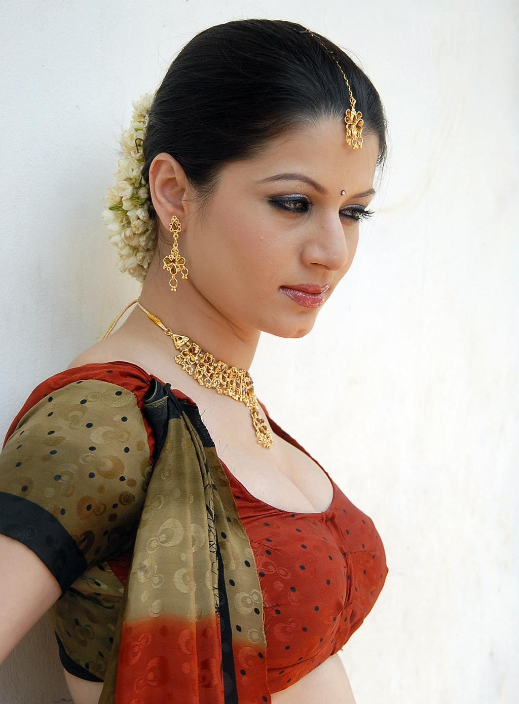 High Quality Bollywood Celebrity Pictures Hot South -2159
