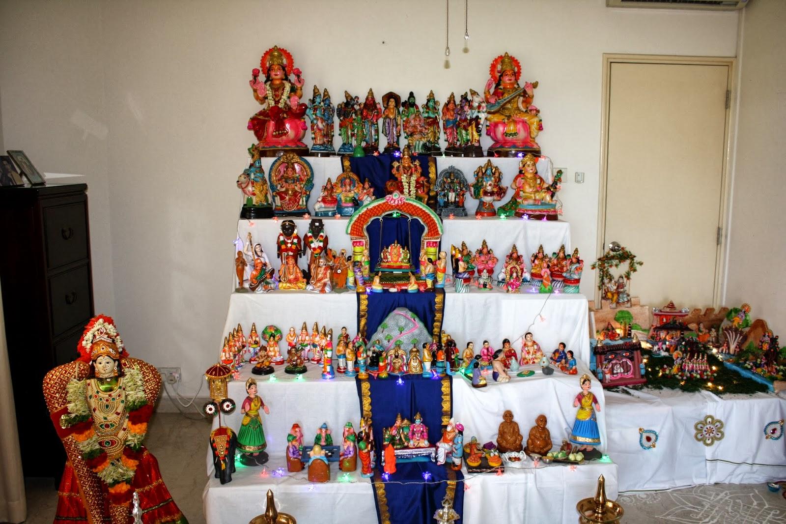 EC Indian Handicrafts Marapachirubber doll decorations