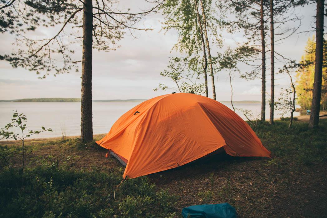 Mahtava ja kevyt teltta helppoon vaeltamiseen. Nopea pystytys!