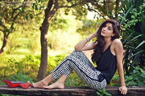 Mehwish Hayat Hd Wallpaper Mawra Hocane Wiki Height Weight Pics Bio Fliqy