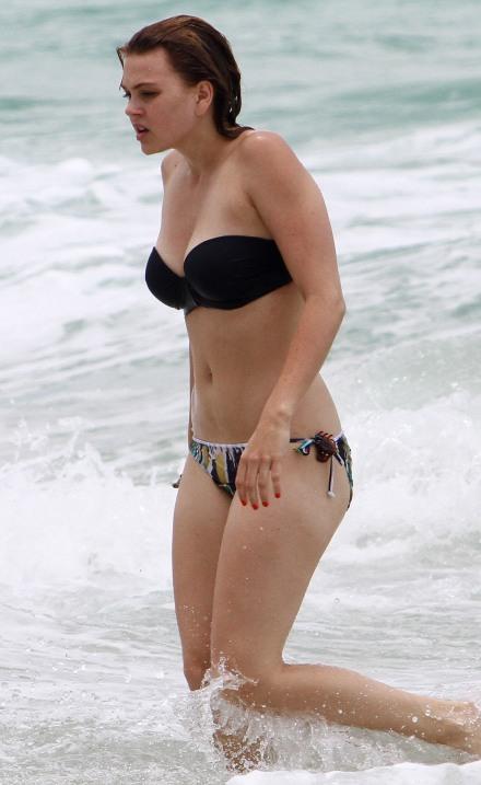 Aimee Teegarden Celebrity News And Style