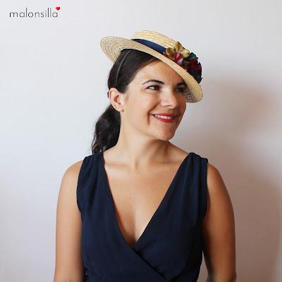 Tocado sombrero flores copa baja desmontable colores otoñales azul marino