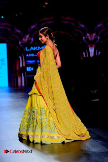 Bollywood Actress Malaika Arora Khan Walks on Ramp at LFW Summer 2017  0028.jpg