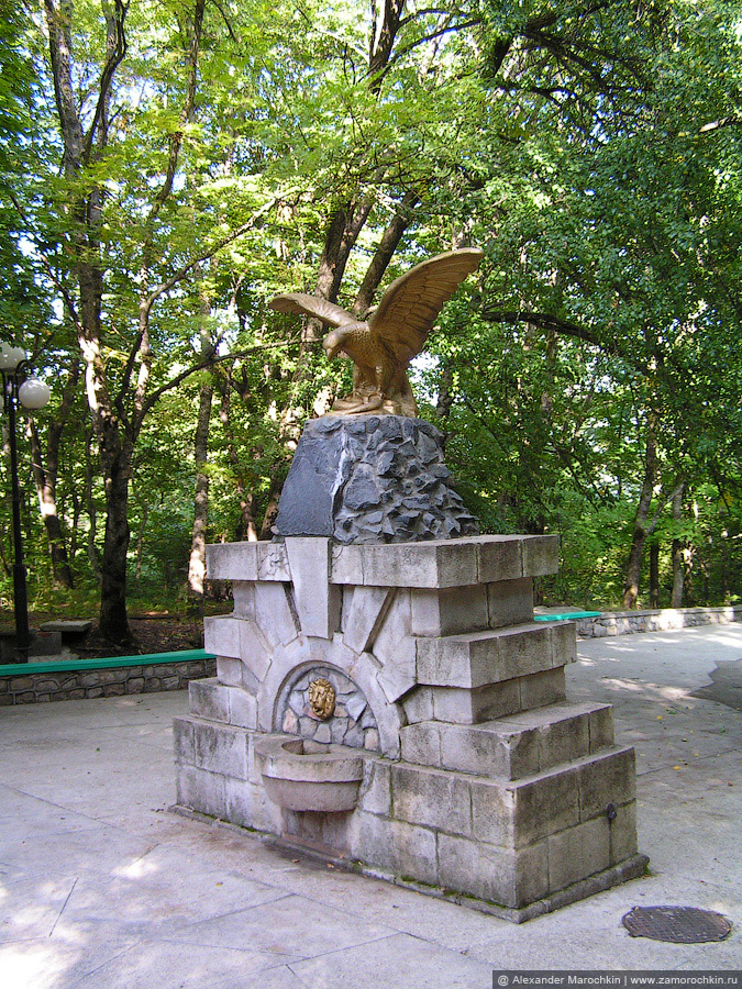 Орёл в курортном парке Железноводска. Недействующий источник №54