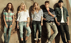 american eagle clothes clothing outfitters outfits ae stores location kuwait brand middle east