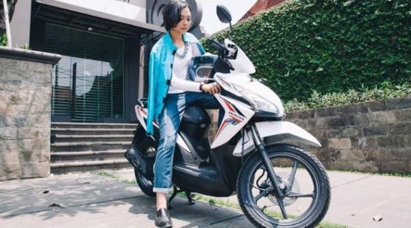 Kendaraan sepeda motor baik yang matic maupun yang non matic INI KESALAHAN MANASIN MOTOR DI PAGI HARI, TIPS CARA MANASIN MOTOR YANG BENAR