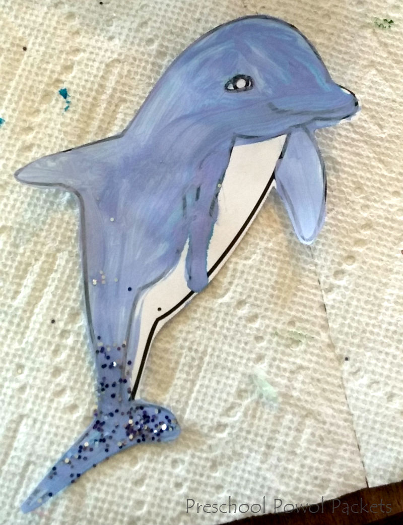 A Pod of Dolphin Puppets & Paper Plate Oceans ~ a Preschool Craft ...