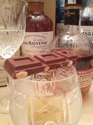 Cata de Whisky con The Balvenie 12 Triple Cask, The Glenrothes y Talisker - Cohiba - Pago de los Capellanes - Jamón de jabalí asado - Chocolate Valor - Bye Bye Sugar - ÁlvaroGP - el gastrónomo - el troblogdita