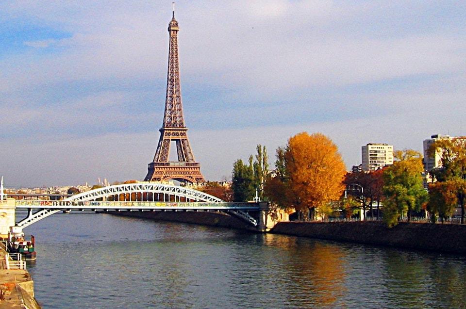 Khám phá nước Pháp thơ mộng bằng du thuyền dọc sông Seine