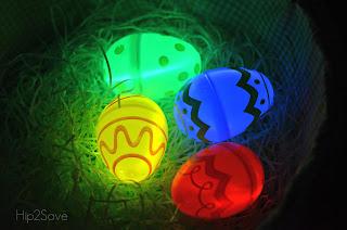Bracelets fluo ou oeufs fluo pour Pâques
