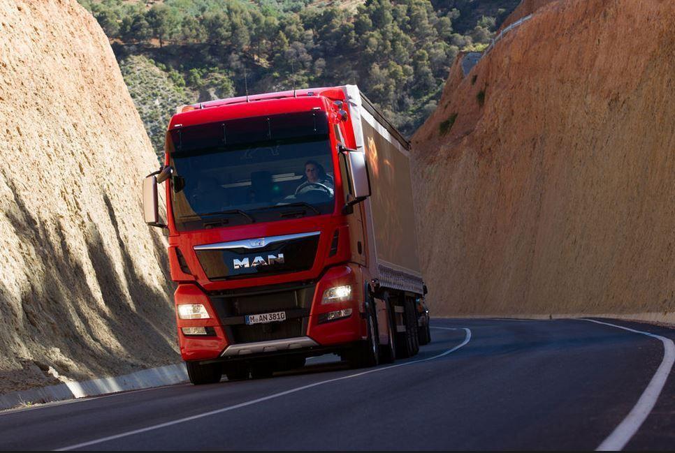 MAN Trucks wspólnie z DB Schenker pracują nad wykorzystaniem platooningu w logistyce