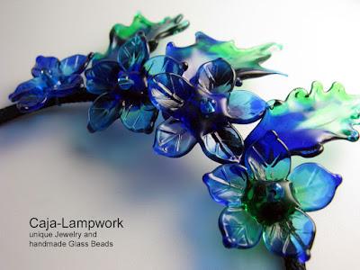 Detailaufnahme Blumenkette