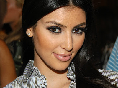 Kim Kardashian Normal Resolution HD Wallpaper 9