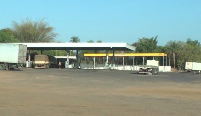CAXIAS: Posto de combustíveis é assaltado em Caxias e clientes e funcionários ficam amarrados